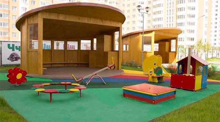 В благоустройстве детского сада в Новой Москве использовалась террасная доска Террадек